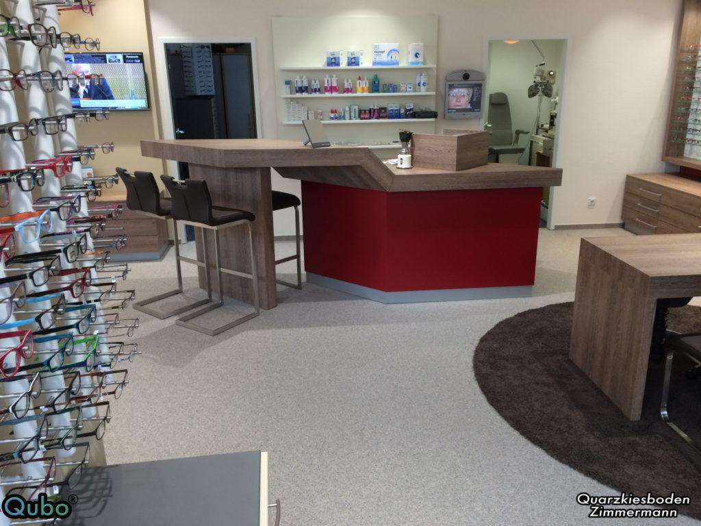 Ladenlokal mit Steinteppich