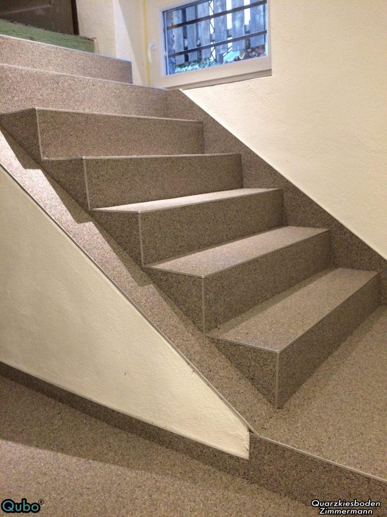 Kellertreppe mit Steinteppich saniert